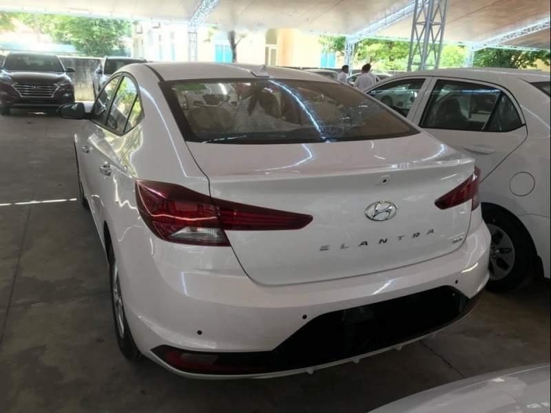 Bán ô tô Hyundai Elantra năm 2019, màu trắng, giá chỉ 580 triệu (3)