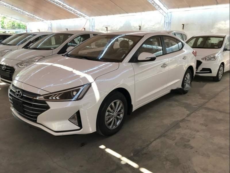 Bán ô tô Hyundai Elantra năm 2019, màu trắng, giá chỉ 580 triệu (1)