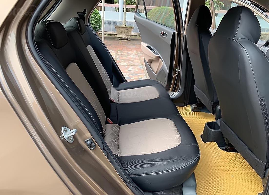 Chính chủ bán lại xe Hyundai Grand i10 MT năm 2015, màu nâu, nhập khẩu nguyên chiếc (2)