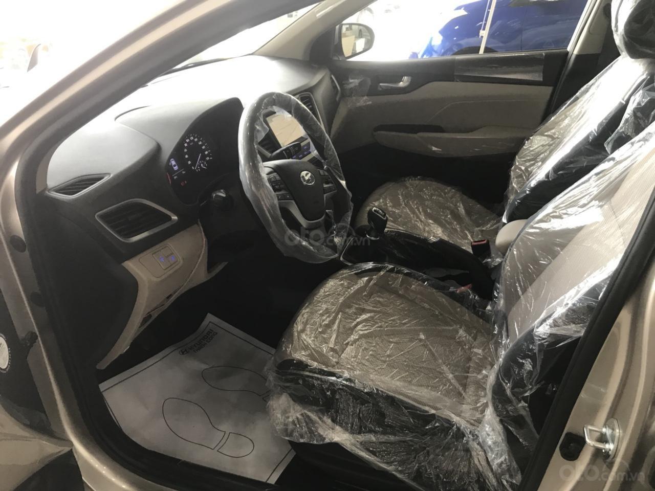 Bán Hyundai Accent 2019 mới - giá tốt - xe giao ngay, liên hệ 0909.342.986 (6)