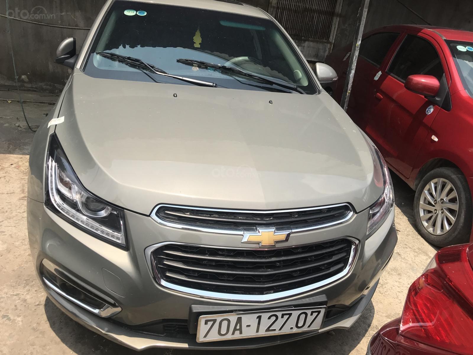 Bán Chevrolet Cruze đời 2017 số tự động (1)