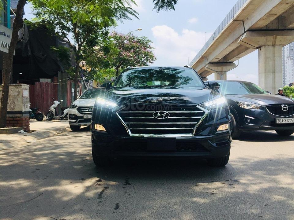 Bán Hyundai Tucson 2.0 xăng đặc biệt, trả góp 80% - Lh: 0976543958 (1)