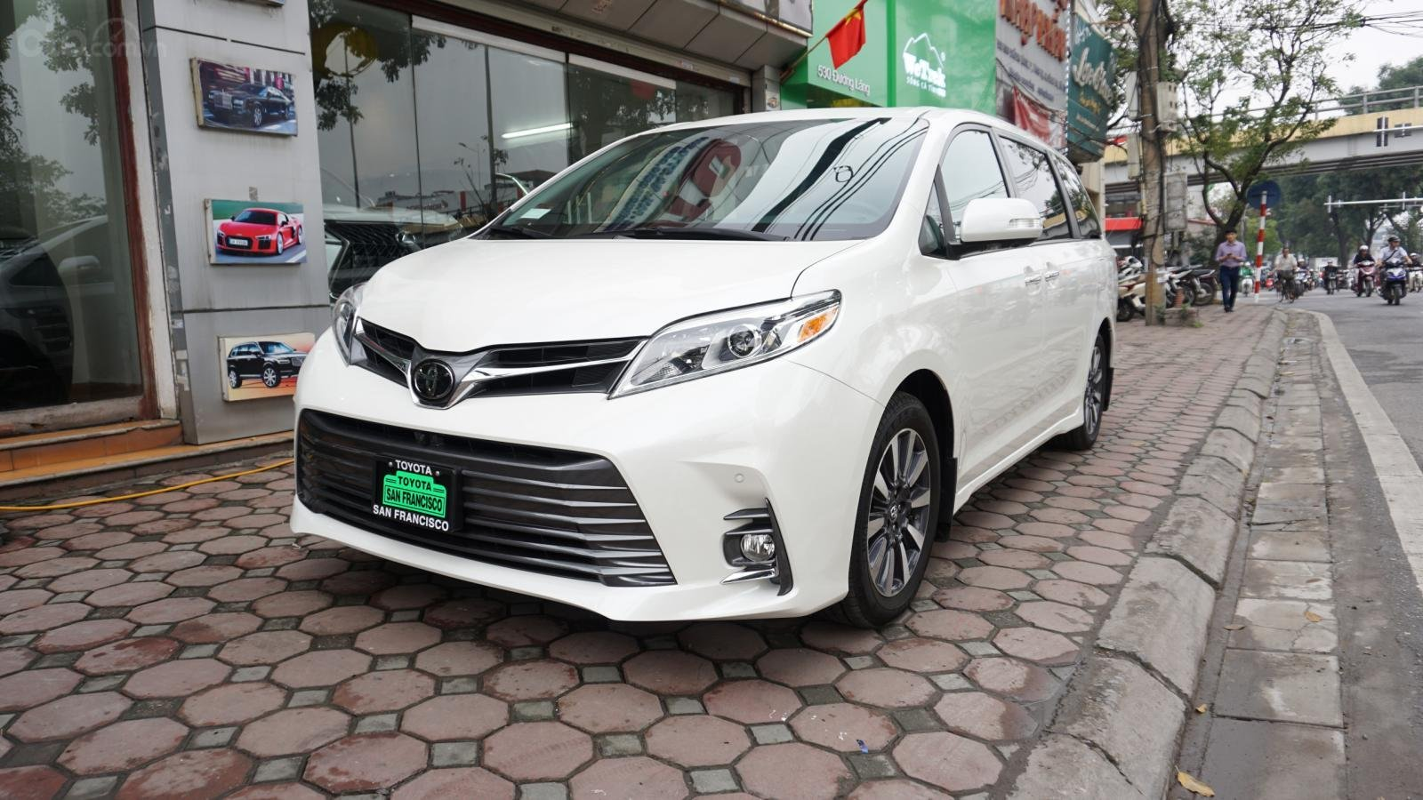 Bán xe Toyota Sienna Le Limited sản xuất 2018, nhập Mỹ - LH 0945392468-1