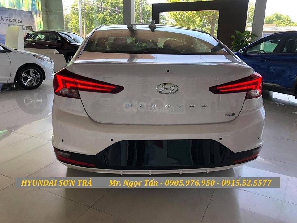 Cần bán Hyundai Elantra đời 2019, màu trắng, nhập khẩu - Hotline Đà Nẵng: 0905976950 (4)