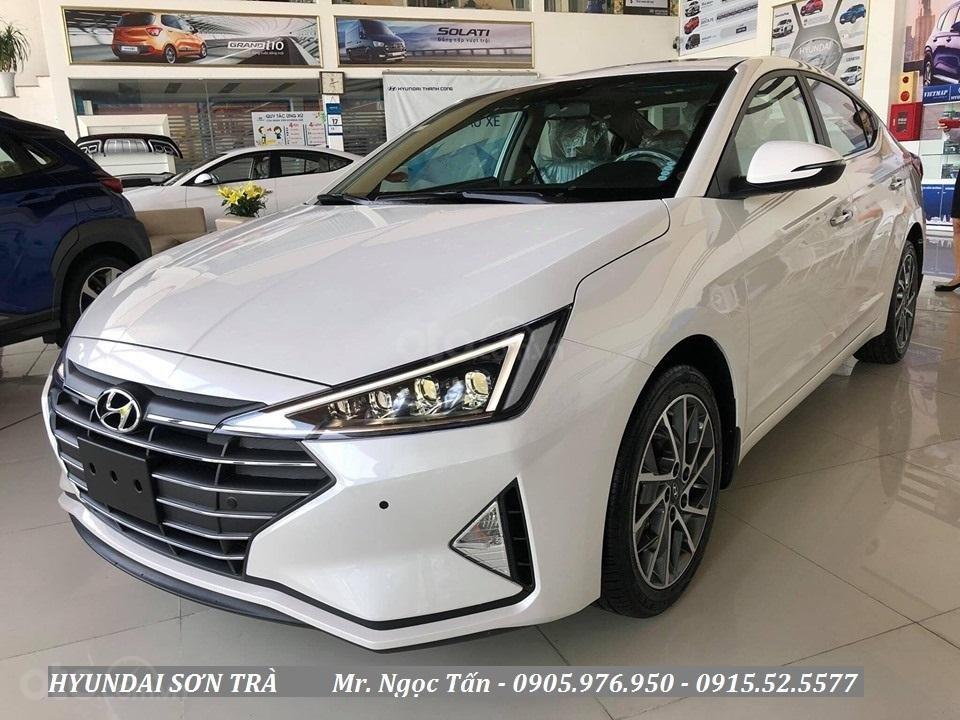 Cần bán Hyundai Elantra đời 2019, màu trắng, nhập khẩu - Hotline Đà Nẵng: 0905976950 (2)
