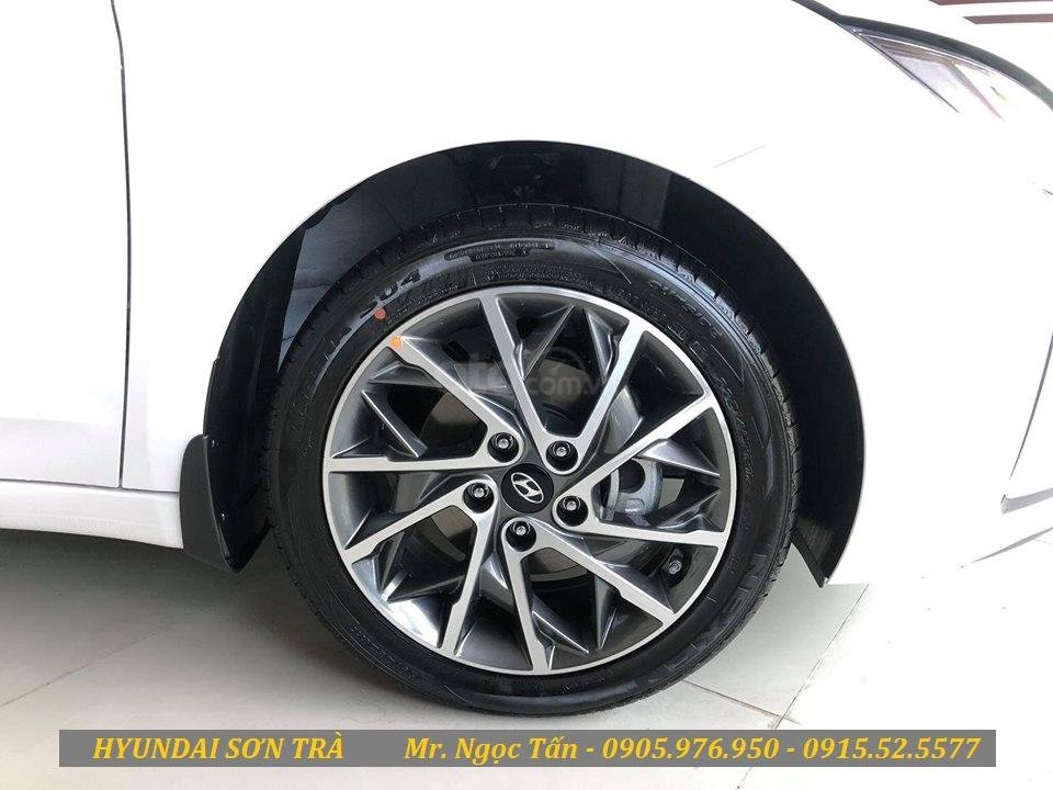 Cần bán Hyundai Elantra đời 2019, màu trắng, nhập khẩu - Hotline Đà Nẵng: 0905976950 (5)