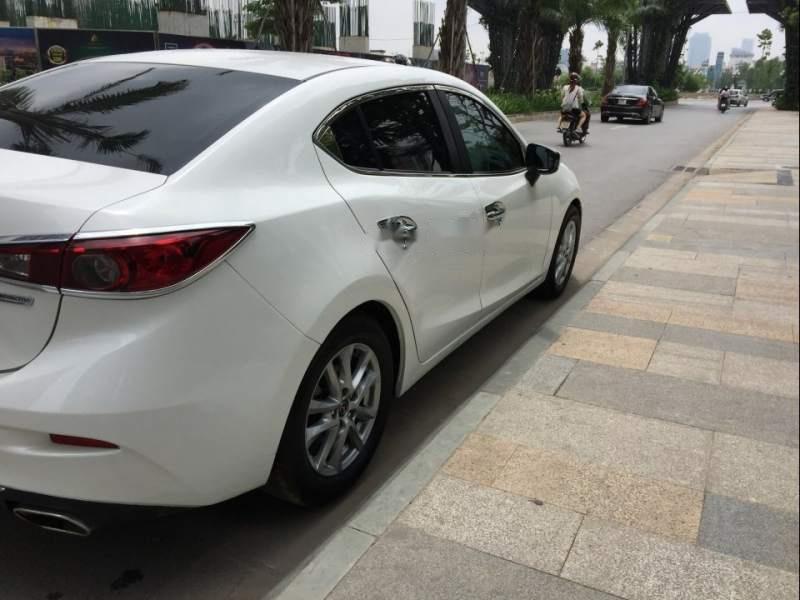 Gia đình bán Mazda 3 đời 2016, màu trắng-1
