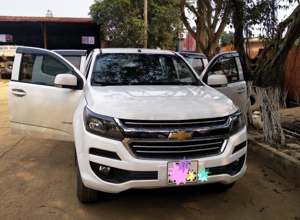 Ngân hàng bán đấu giá xe Chevrolet Colorado 2017 2.5-LT biển 37C (1)