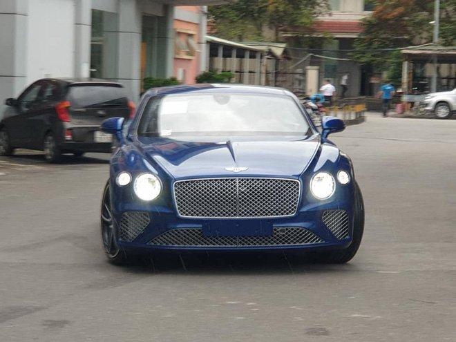 Thêm chiếc Bentley Continental GT thế hệ mới về Việt Nam a2