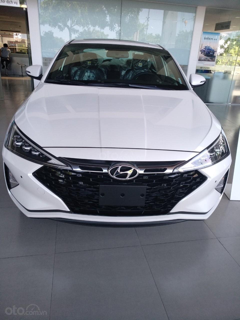 Bán xe Hyundai Elantra Facelift- Đà Nẵng (1)