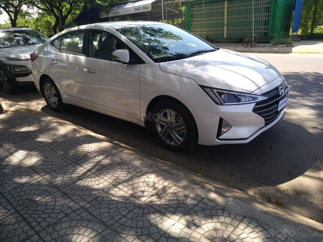 Bán xe Hyundai Elantra Facelift- Đà Nẵng (2)