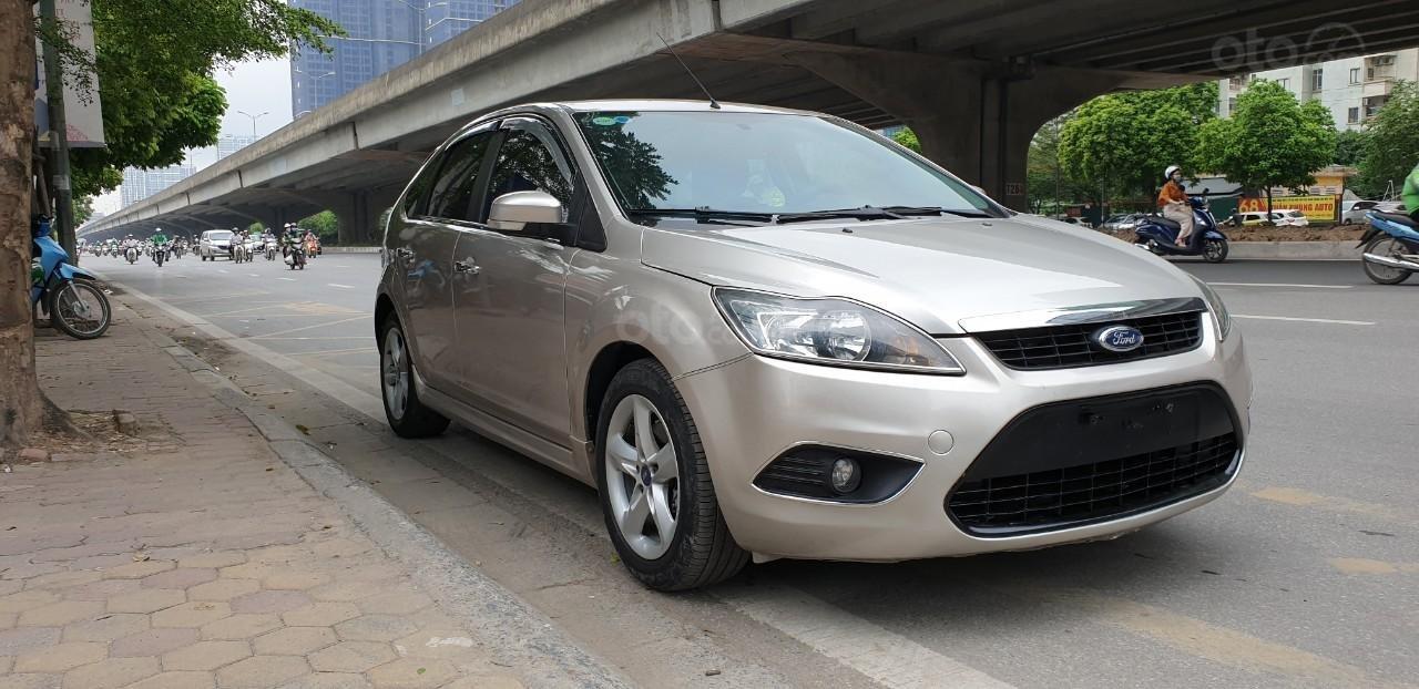 [Tín Thành auto] Ford Focus 2.0 Năm 2010, trả góp lãi xuất siêu thấp. Liên hệ: Mr. Vũ Văn Huy: 097.171.8228 (3)