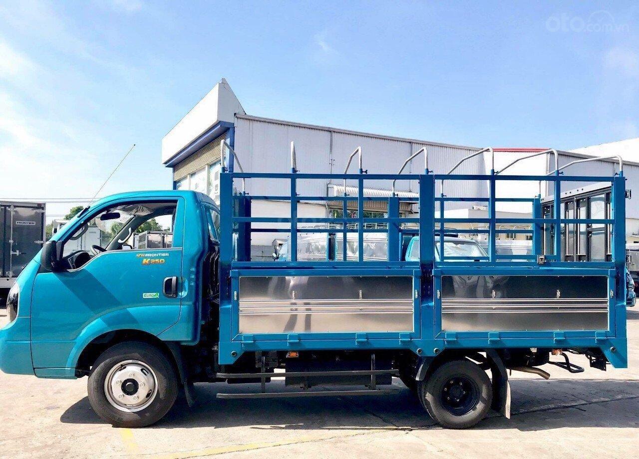 Trả trước 100 triệu đã mua được chiếc Kia K250 tải 2.49 tấn, máy Hyundai đời 2019, thùng dài 3.5 mét, xe tại Thủ Dầu Một (3)