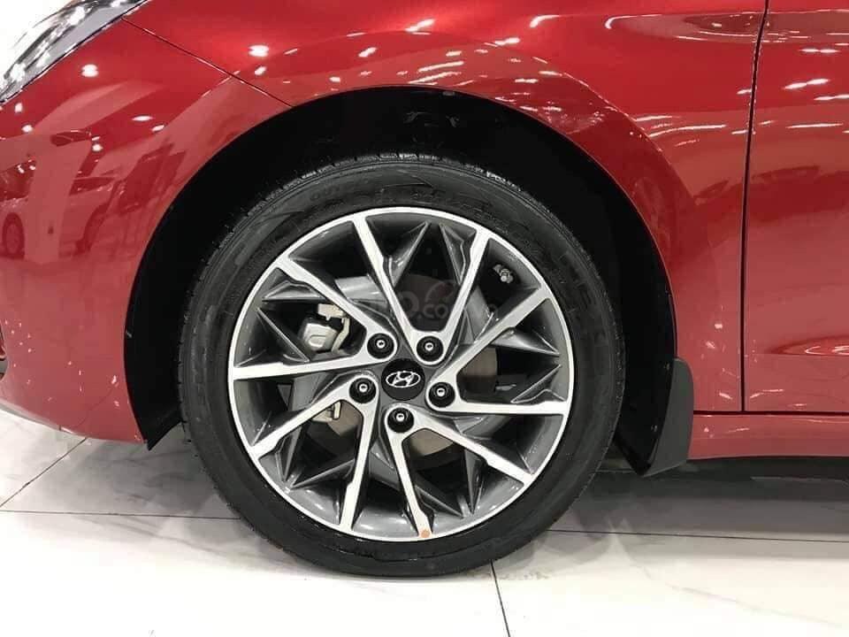 Giá Elantra 2019 phiên bản 2.0 màu đỏ, xem xe tại Hyundai Tây Đô-Cần Thơ (6)