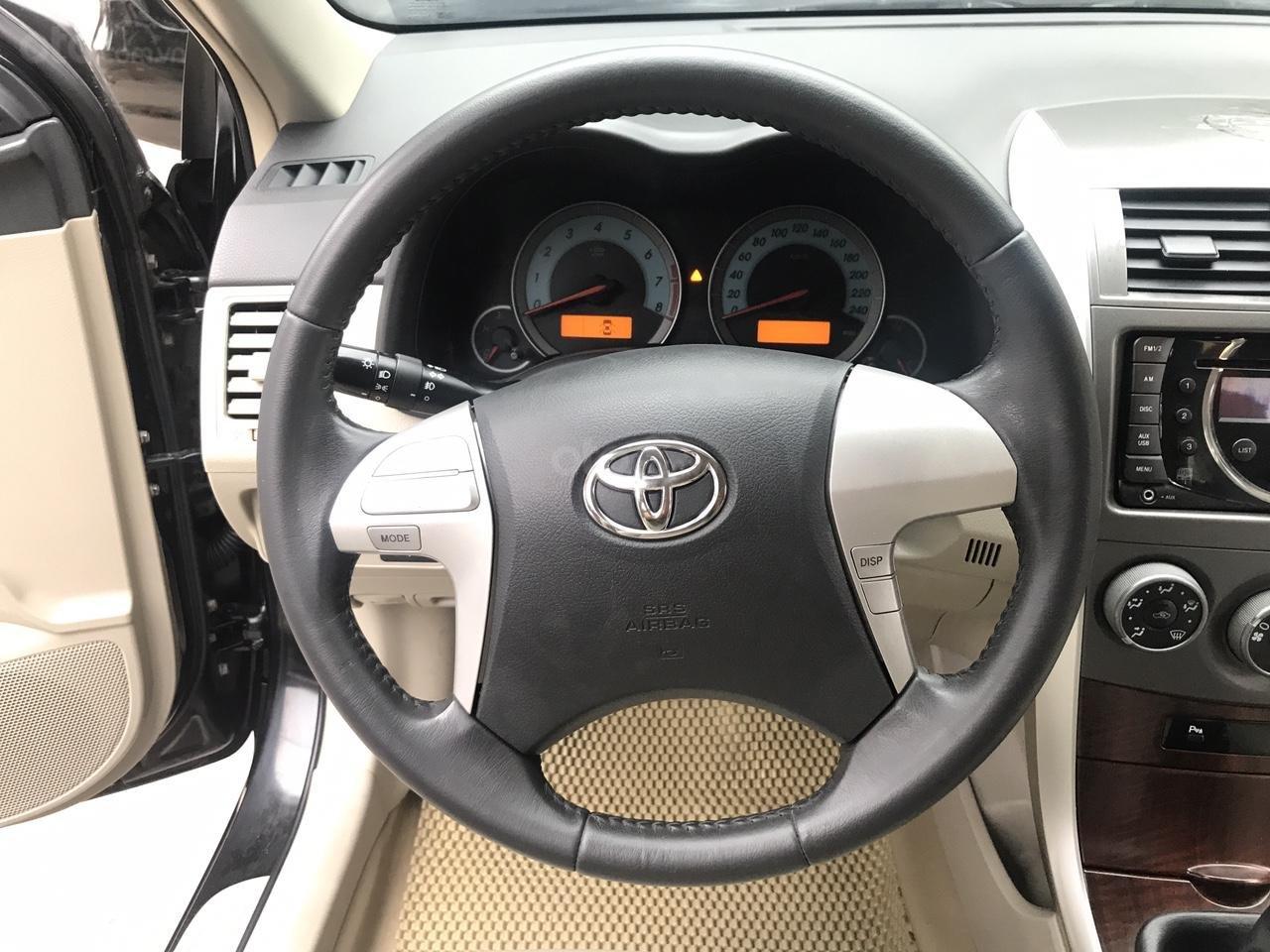 Bán xe Toyota Corolla Altis 1.8G năm sản xuất 2011, màu đen, cực mới siêu lướt-5