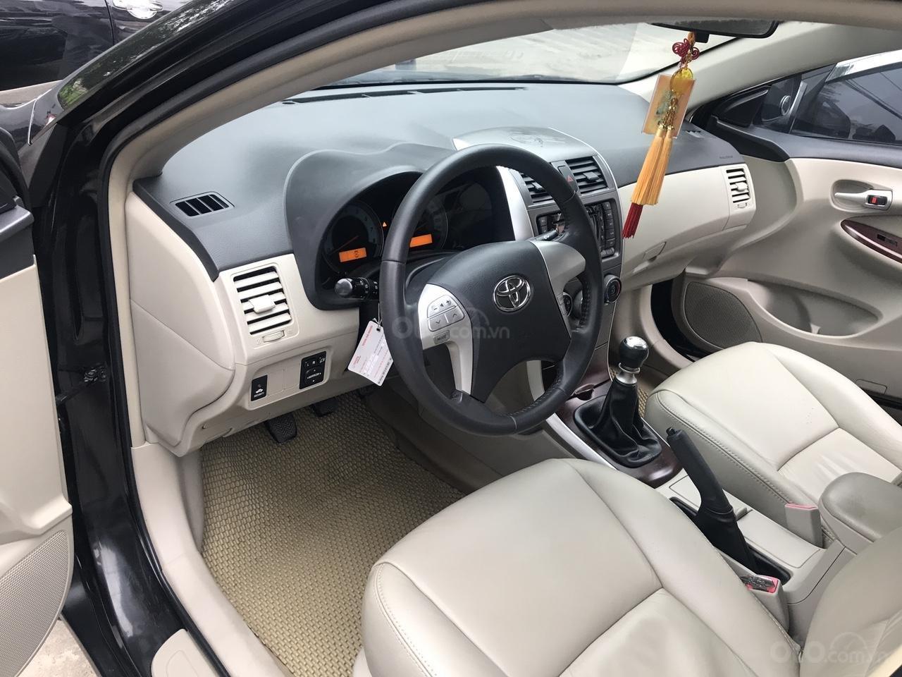Bán xe Toyota Corolla Altis 1.8G năm sản xuất 2011, màu đen, cực mới siêu lướt-3
