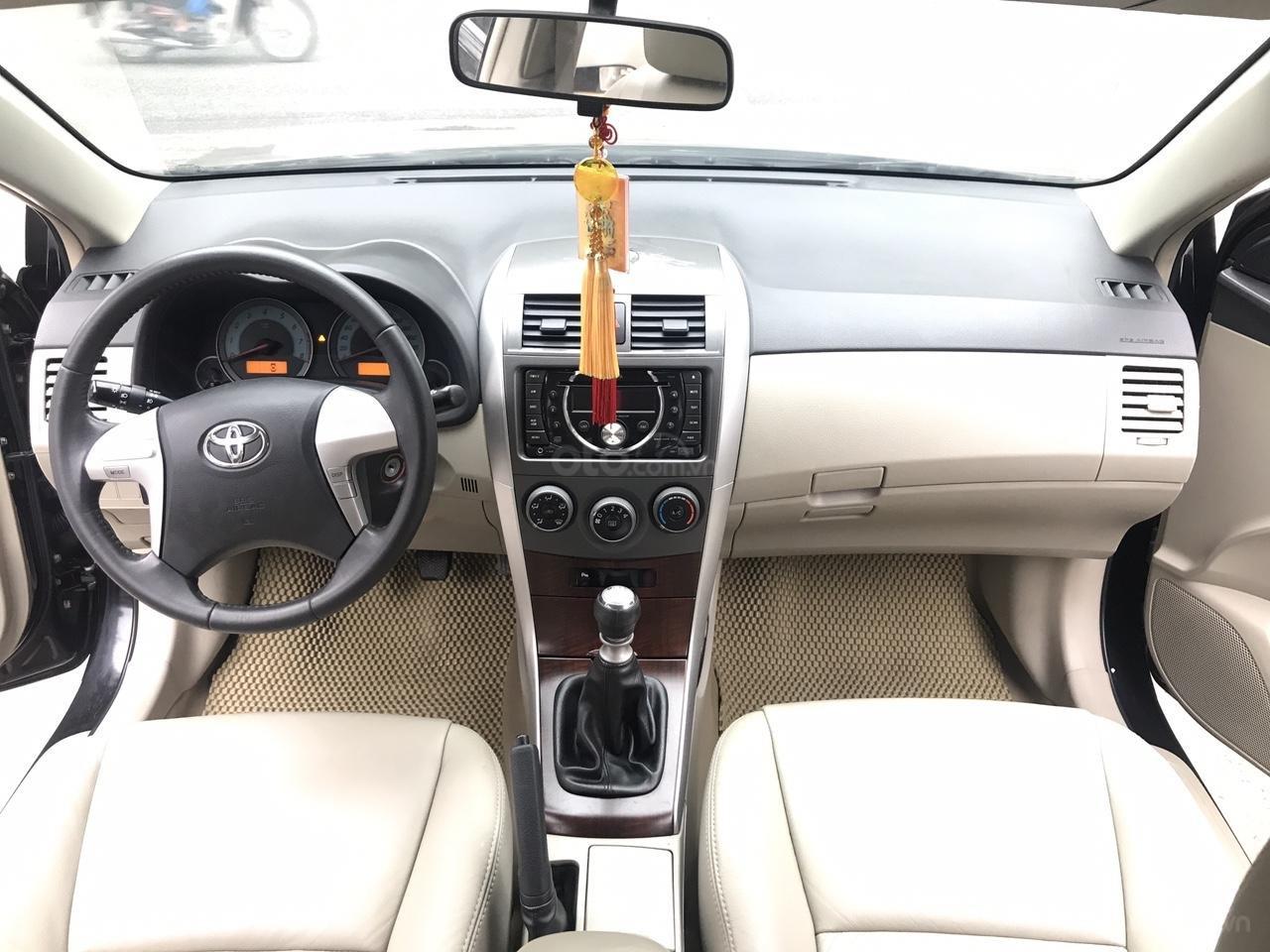 Bán xe Toyota Corolla Altis 1.8G năm sản xuất 2011, màu đen, cực mới siêu lướt-4