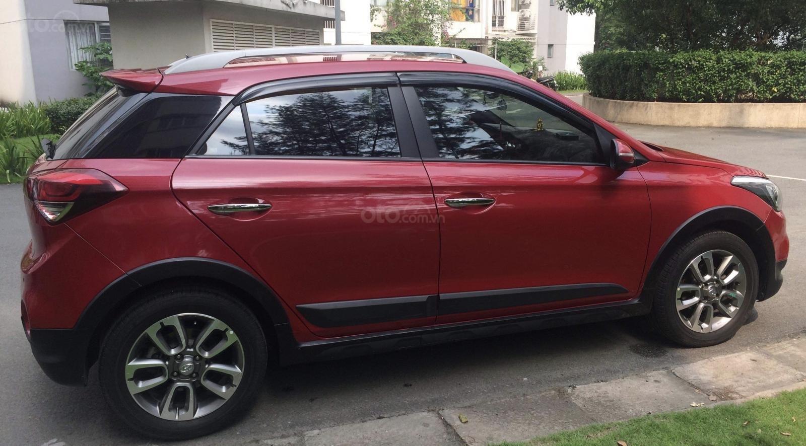 Cần bán Hyundai i20 Active 2016, màu đỏ, nhập khẩu nguyên chiếc (1)