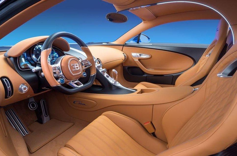 Nội thất của  Bugatti Chiron - 10 xe hơi đẹp nhất thế giới hiện nay:.