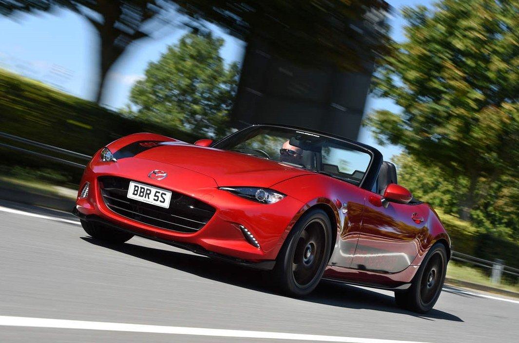 10 xe hơi đẹp nhất thế giới hiện nay: Mazda MX-5 Miata.