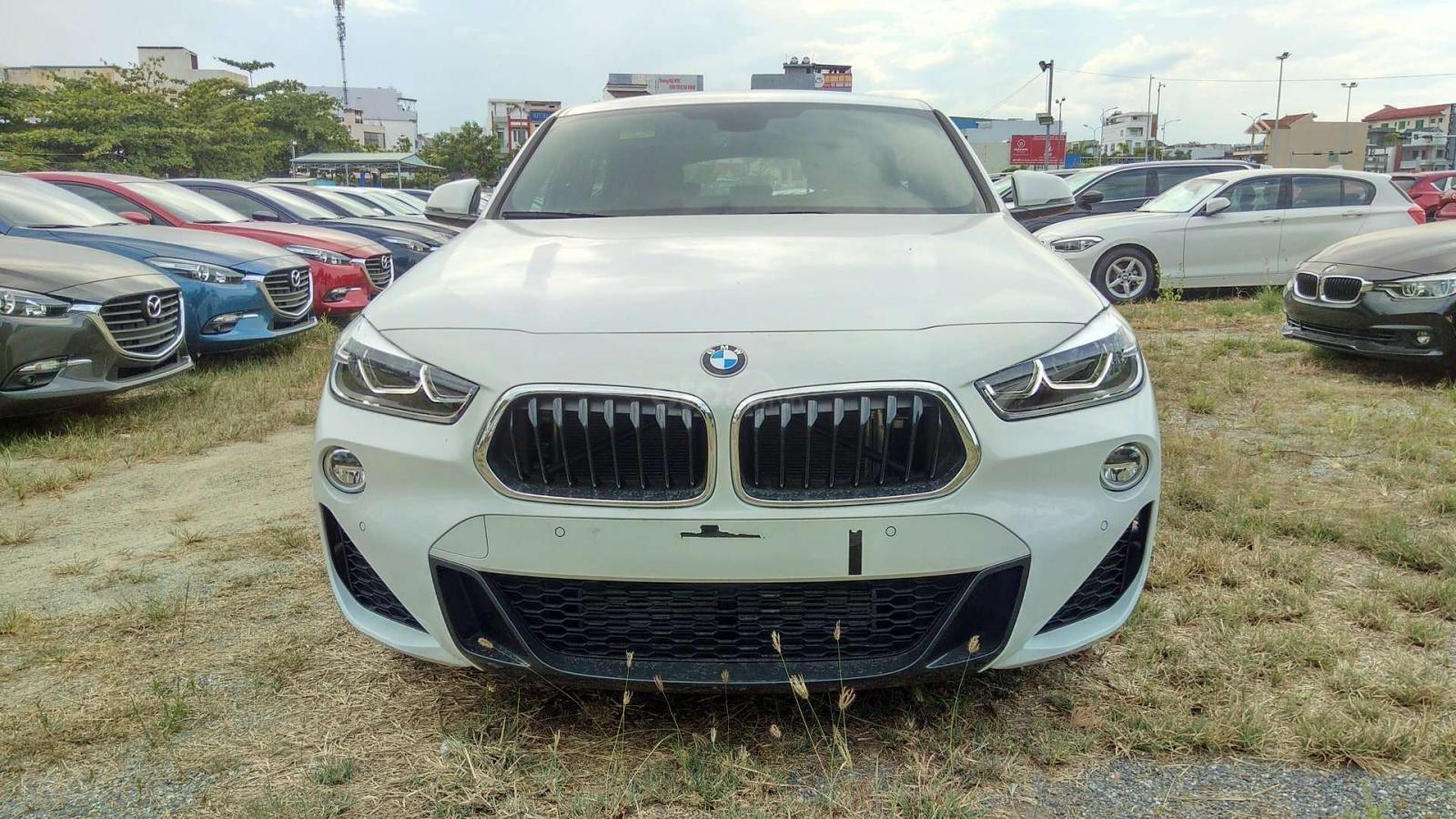 Đánh giá BMW X2 sDrive18i 2019 về thiết kế đầu xe.