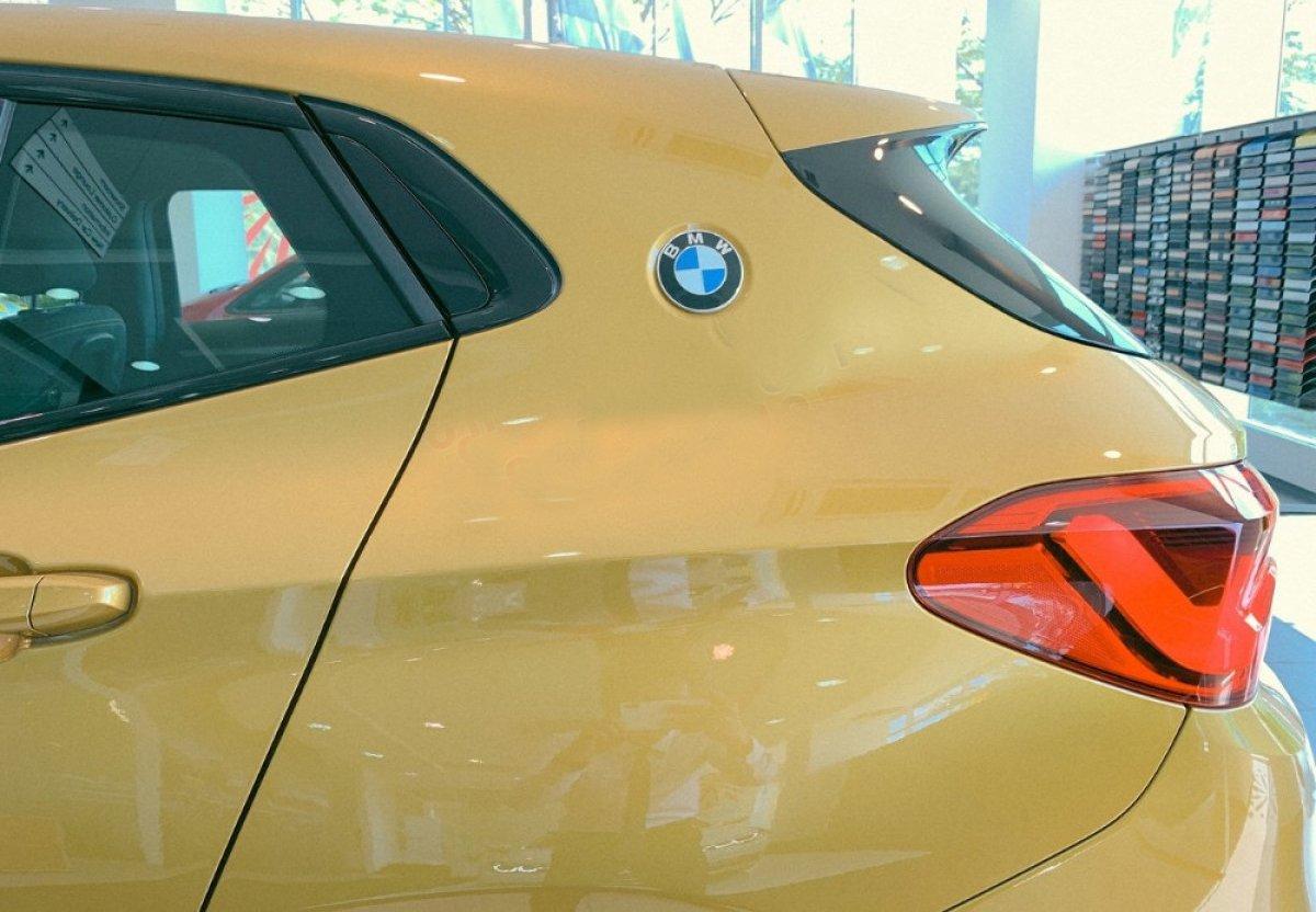 Đánh giá BMW X2 sDrive18i 2019 về thiết kế thân xe: Phân thân sau.
