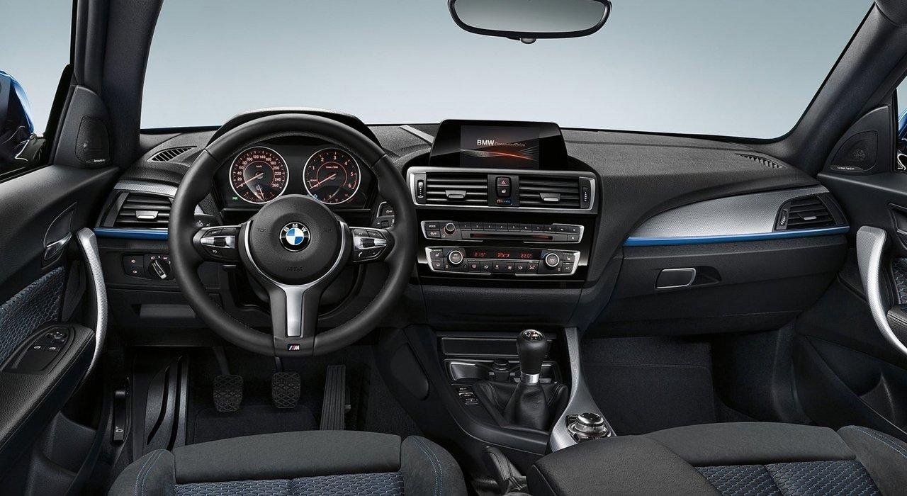 So sánh BMW 1-Series 2020 mới và cũ 6a.