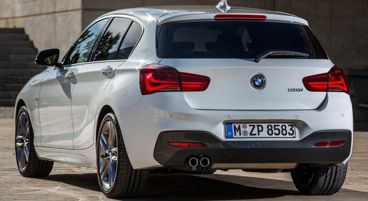 So sánh BMW 1-Series 2020 mới và cũ 3a.