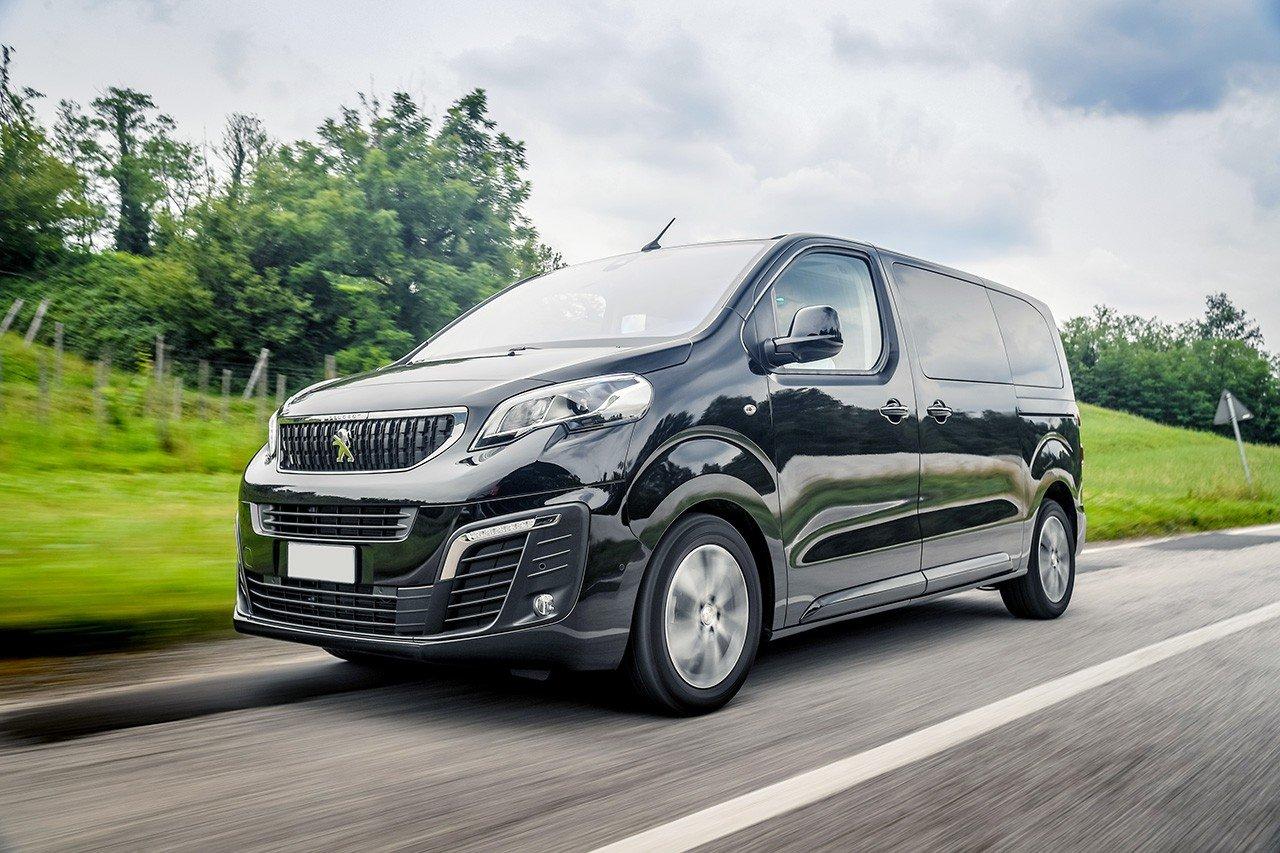Đánh giá xe Peugeot Traveller