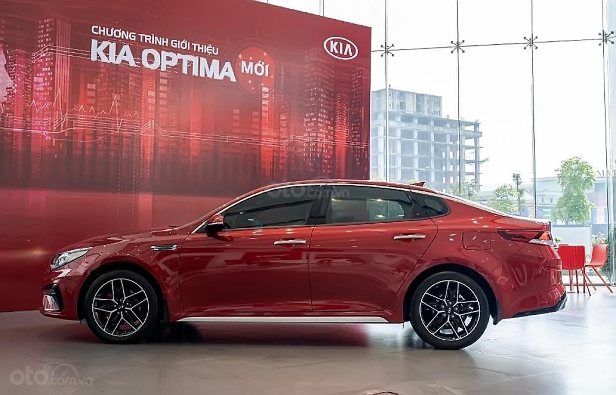 Bán ô tô Kia Optima 2.4 GT line sản xuất năm 2019, màu đỏ, giá 969tr-0