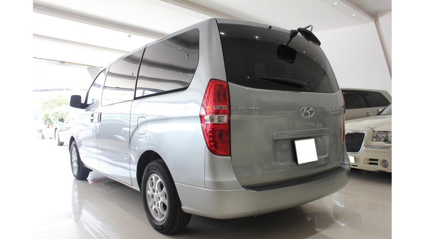 HCM: Bán Hyundai Starex 2014 9 chỗ, màu bạc, xe nhập (4)