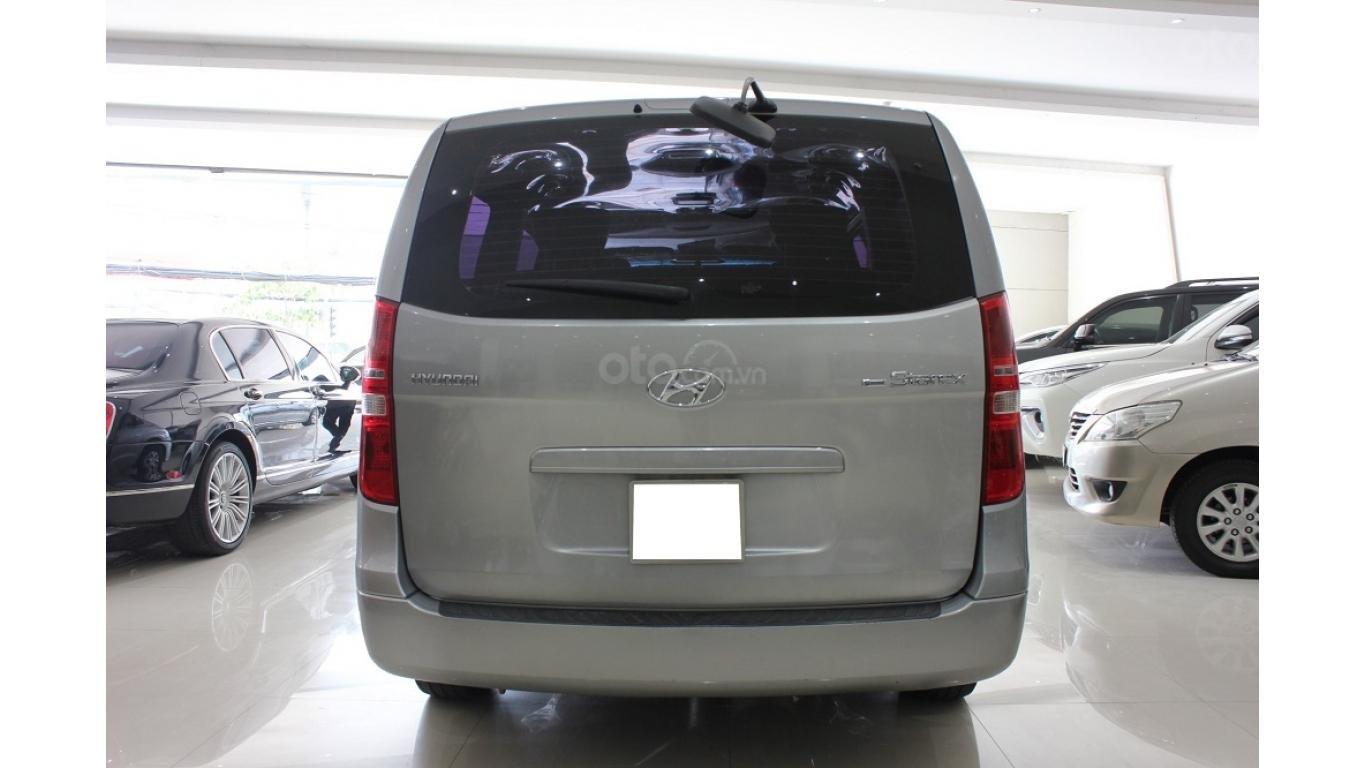 HCM: Bán Hyundai Starex 2014 9 chỗ, màu bạc, xe nhập (5)