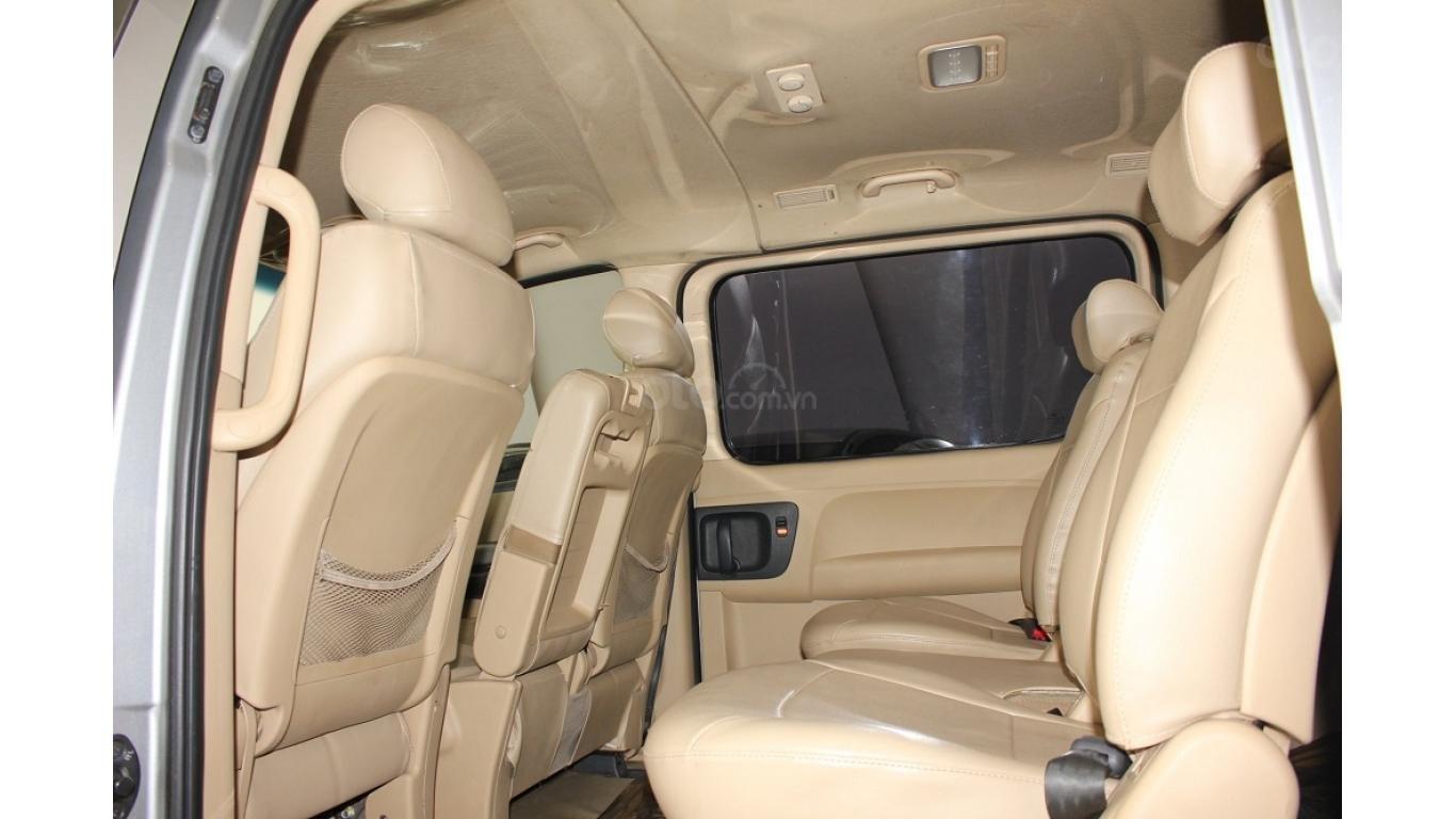 HCM: Bán Hyundai Starex 2014 9 chỗ, màu bạc, xe nhập (11)
