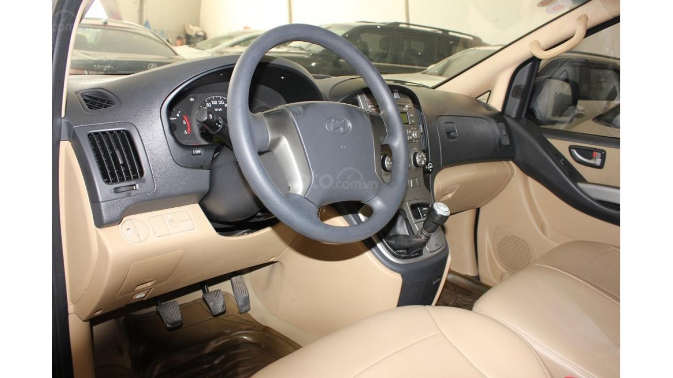 HCM: Bán Hyundai Starex 2014 9 chỗ, màu bạc, xe nhập (7)
