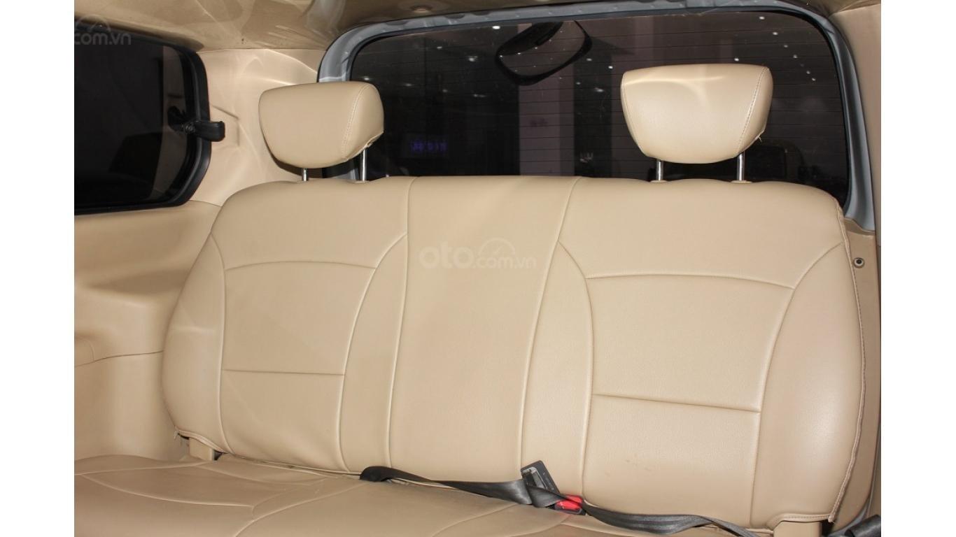 HCM: Bán Hyundai Starex 2014 9 chỗ, màu bạc, xe nhập (12)