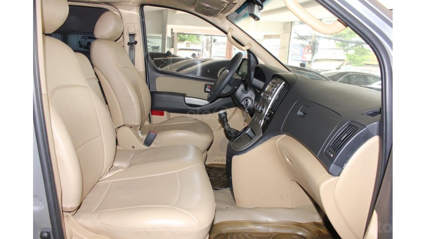 HCM: Bán Hyundai Starex 2014 9 chỗ, màu bạc, xe nhập (6)