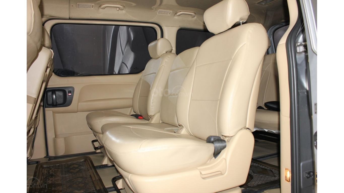 HCM: Bán Hyundai Starex 2014 9 chỗ, màu bạc, xe nhập (10)