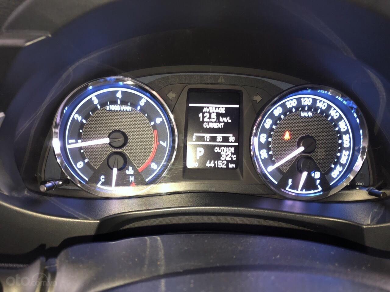 Bán xe Toyota Corolla altis V 2.0AT, bản Sport, đời 2014, biển Sài Gòn (4)