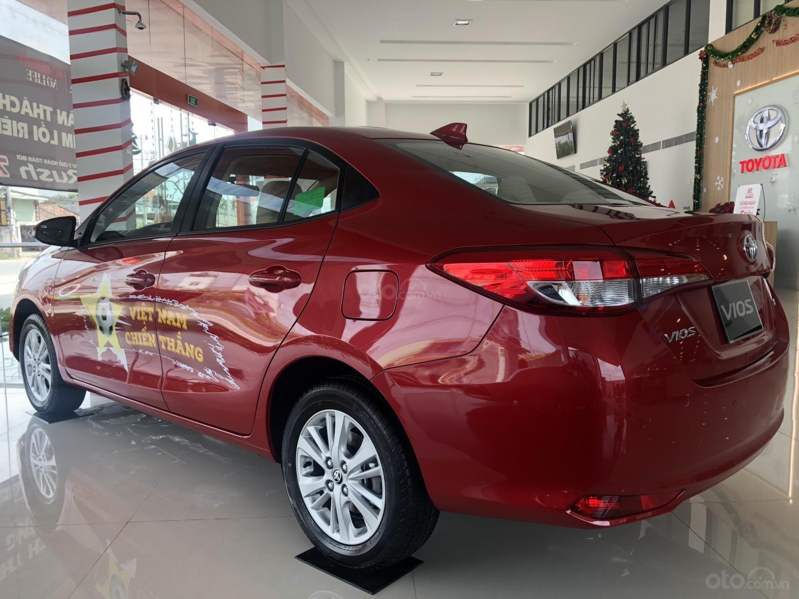 Toyota Vios 2019, khuyến mãi lớn, tặng trọn bộ phụ kiện chính hãng, LS trả góp 3,99%/năm-1