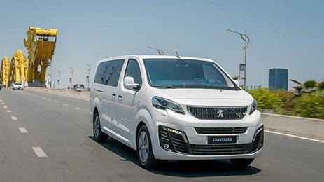 So sánh xe Kia Sedona 2019 và Peugeot Traveller 2019: Xe gia đình và xe thương gia 3