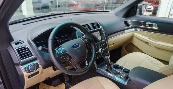 Thông số nội thất xe Ford Explorer 2019.
