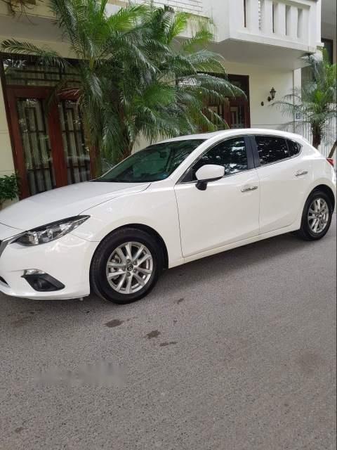 Bán xe Mazda 3 sản xuất năm 2016, màu trắng, giá tốt-1
