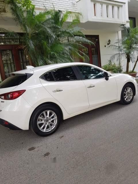 Bán xe Mazda 3 sản xuất năm 2016, màu trắng, giá tốt-2