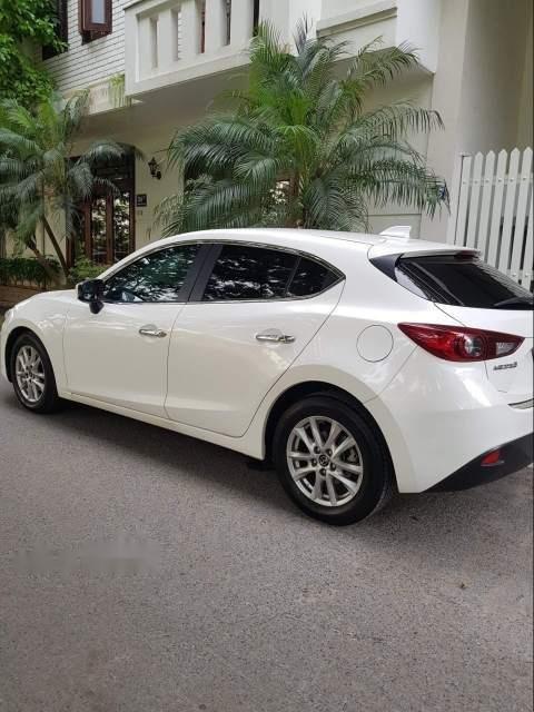 Bán xe Mazda 3 sản xuất năm 2016, màu trắng, giá tốt-3