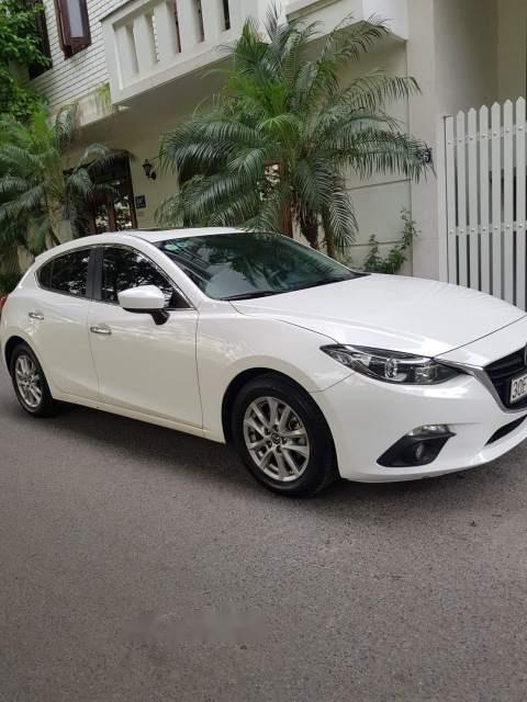 Bán xe Mazda 3 sản xuất năm 2016, màu trắng, giá tốt-0