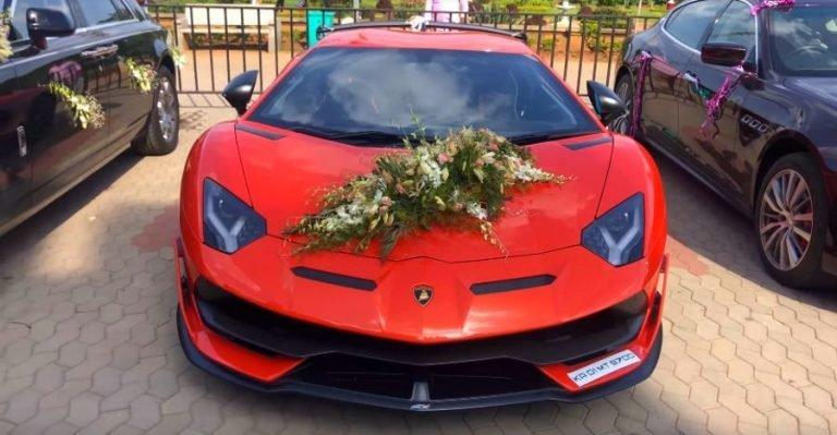 Ngắm dàn xe hoa toàn siêu xe cực đỉnh tại một đám cưới ở Ấn Độ a1