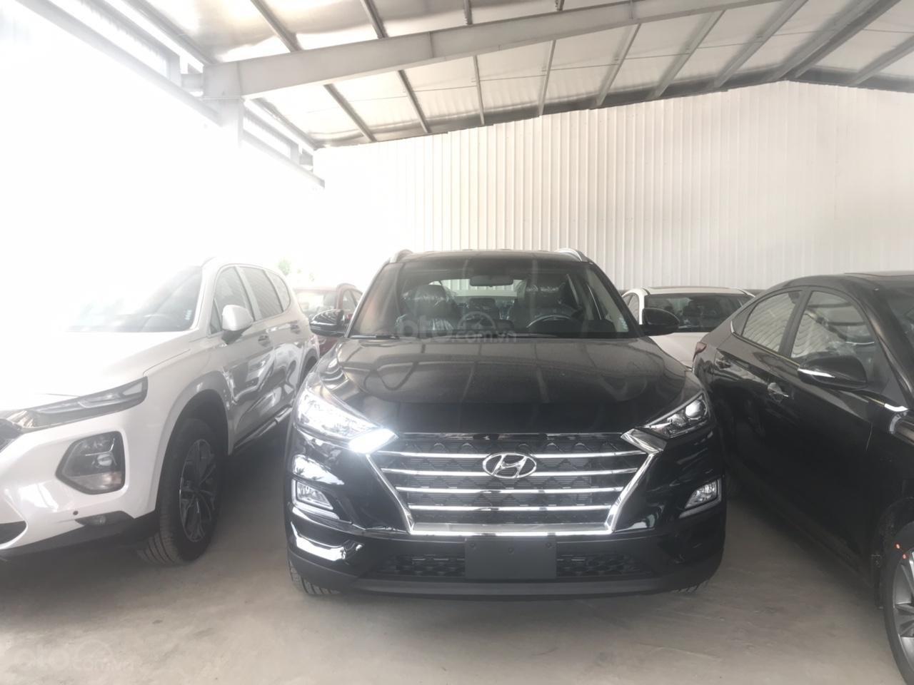 Hyundai Tucson 2019, khuyến mại phụ kiện 15tr, thẻ dịch vụ 20tr, trả góp 80%, giao xe ngay, liên hệ để ép giá 0977308699-4