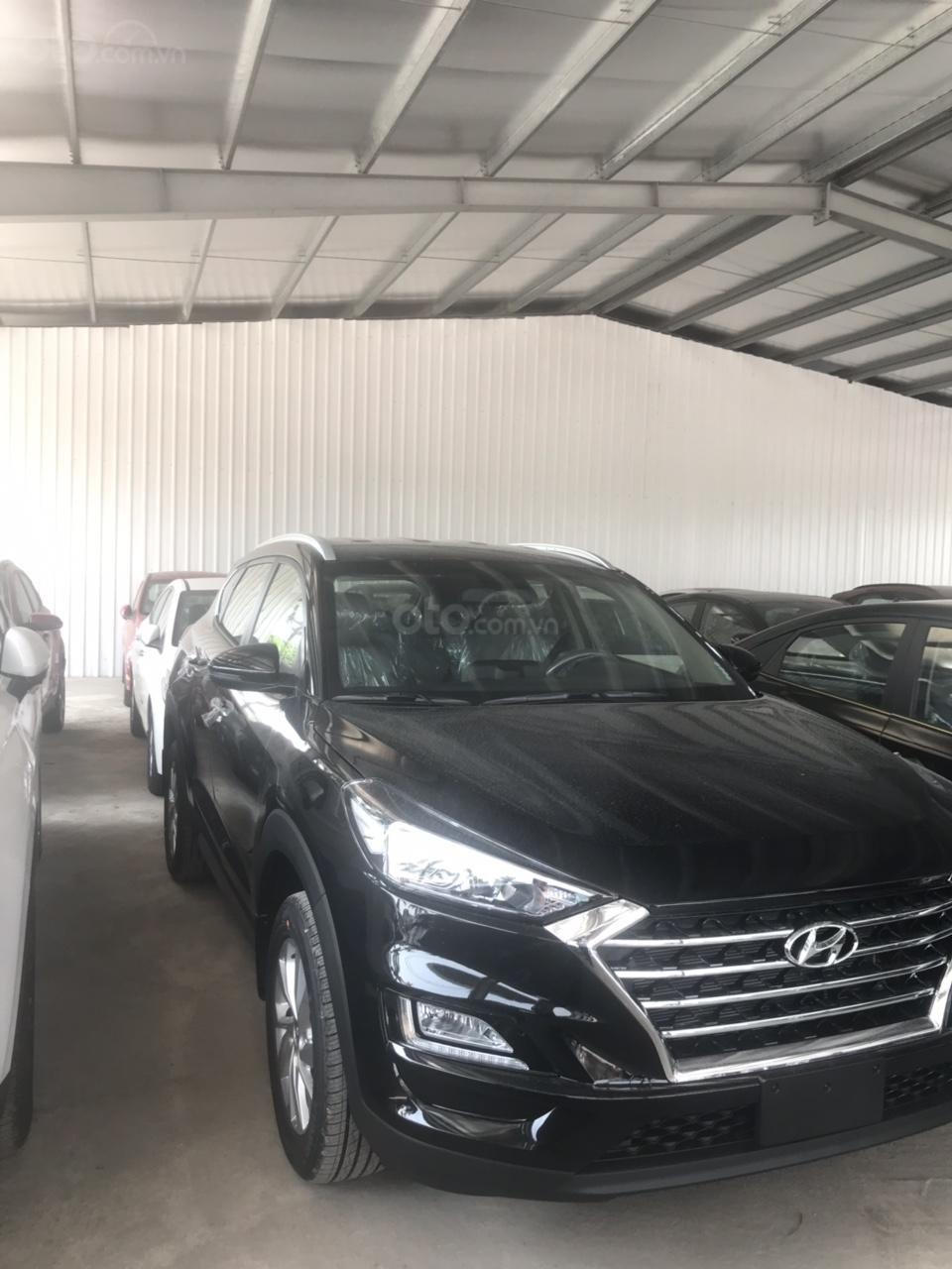 Hyundai Tucson 2019, khuyến mại phụ kiện 15tr, thẻ dịch vụ 20tr, trả góp 80%, giao xe ngay, liên hệ để ép giá 0977308699-5