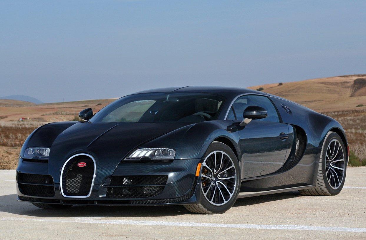 Bugatti Veyron đạt tốc độ tối đa 430 km/h và là 1 trong những xe nhanh nhất thế giới hiện nay.