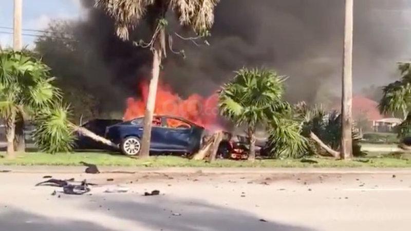 xe điện cháy